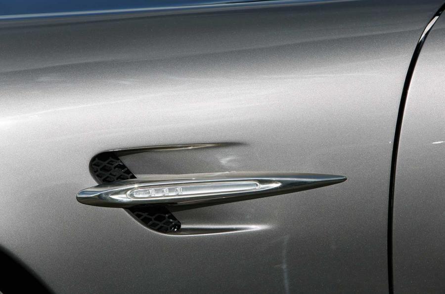 Speedback GT chrome trim