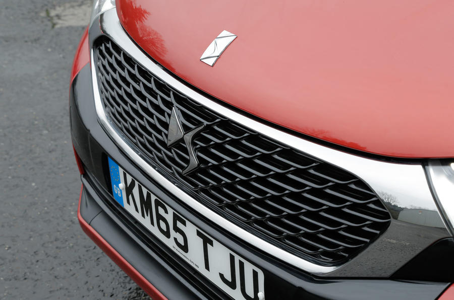 The front-end and grille is where the noticeable part of the facelift is on the DS 4