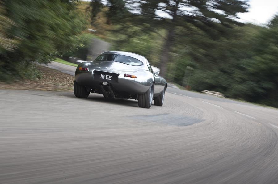 E-type GT Coupé rear cornering