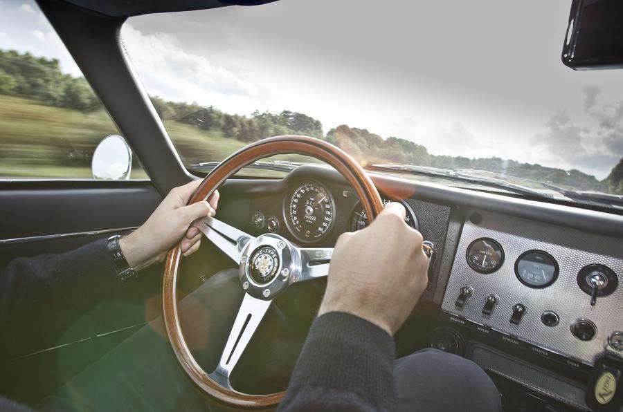 Wooden GT Coupé steering wheel