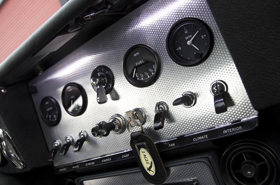 Eagle E-type GT Coupé switchgear