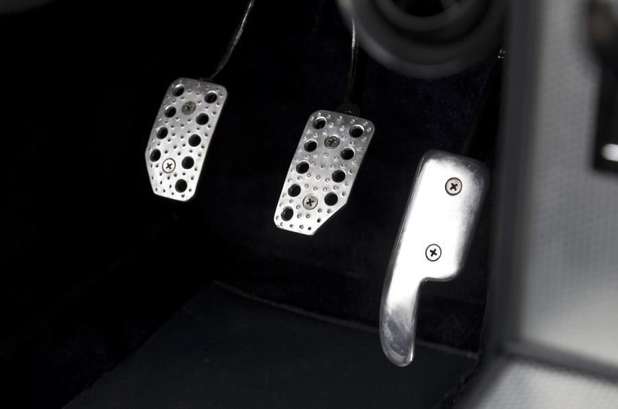 E-type GT Coupé aluminium pedals