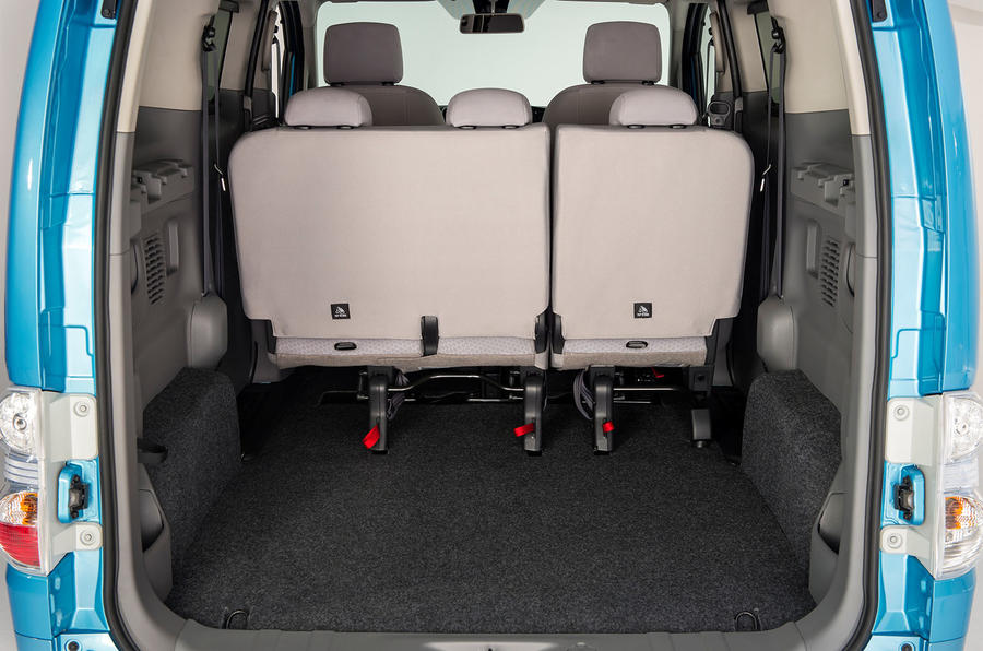 Nissan e-NV200 boot space