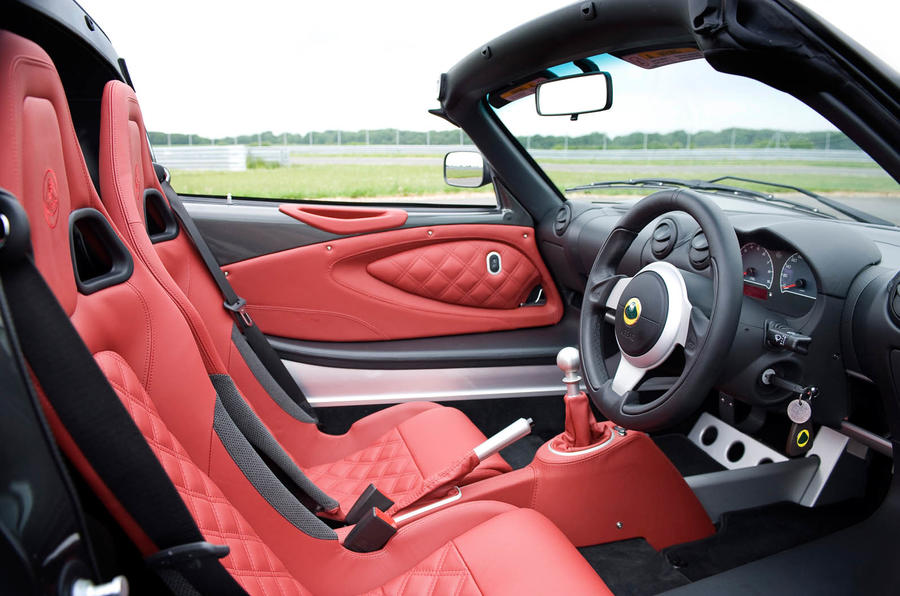 Lotus Exige S Roadster dashboard
