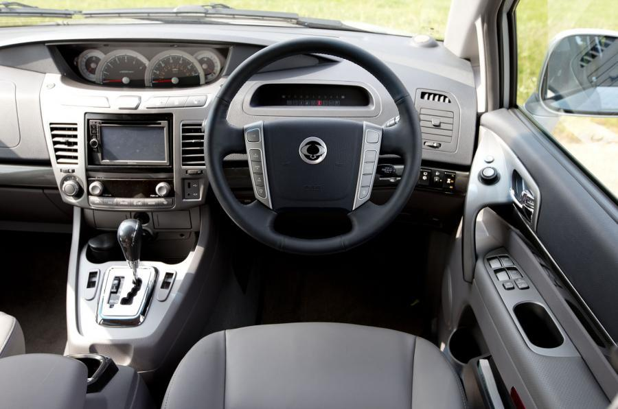 SsangYong Turismo dashboard