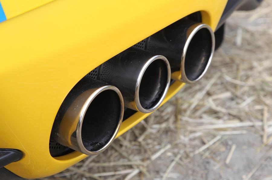 Ferrari 458 triple exhaust system