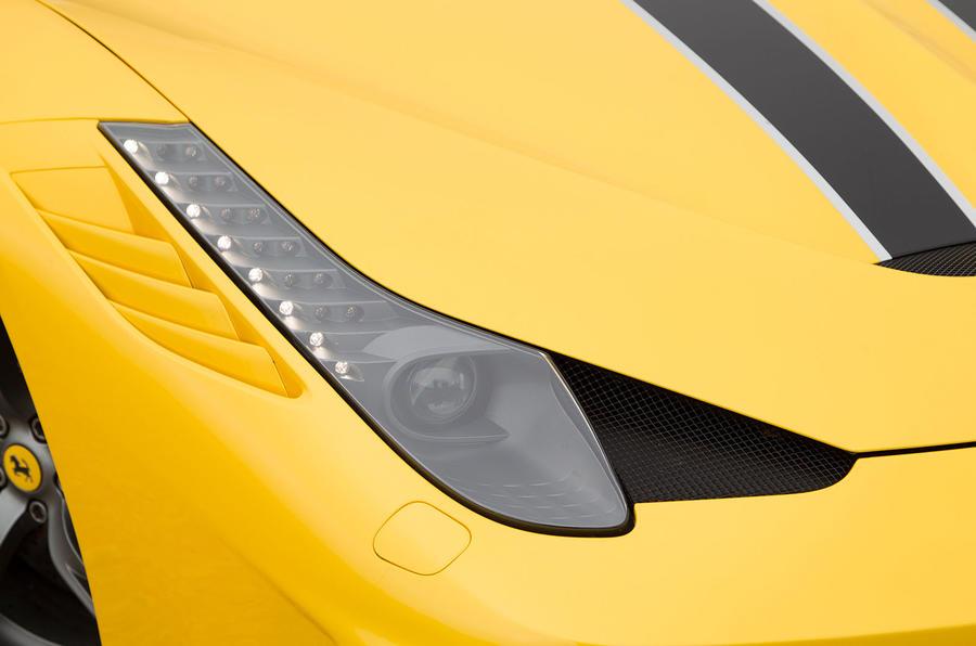 Ferrari 458 Speciale headlight
