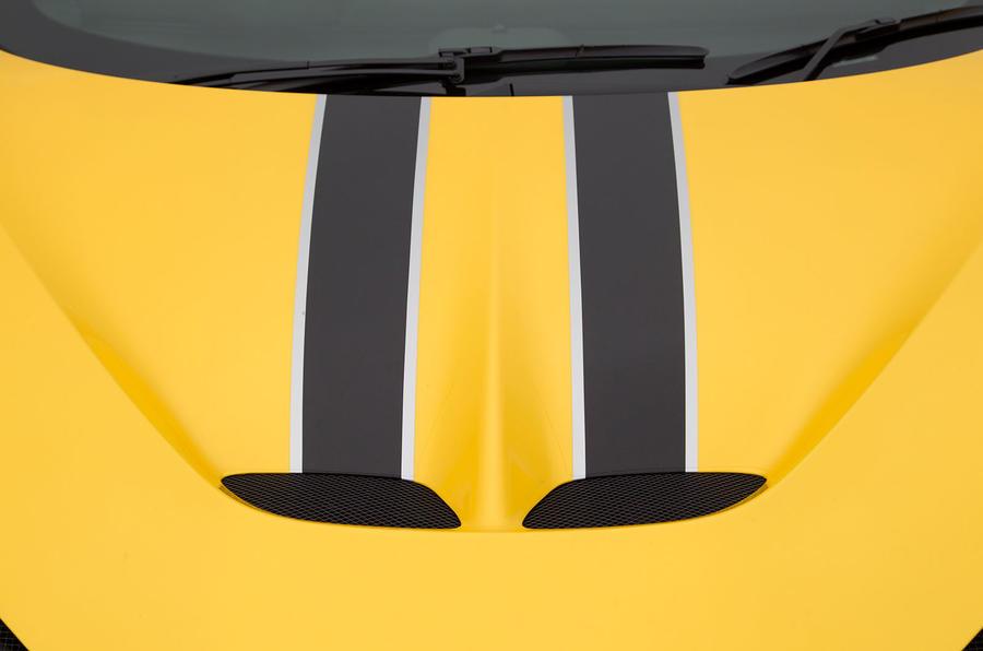 Ferrari 458 Speciale racing stripes