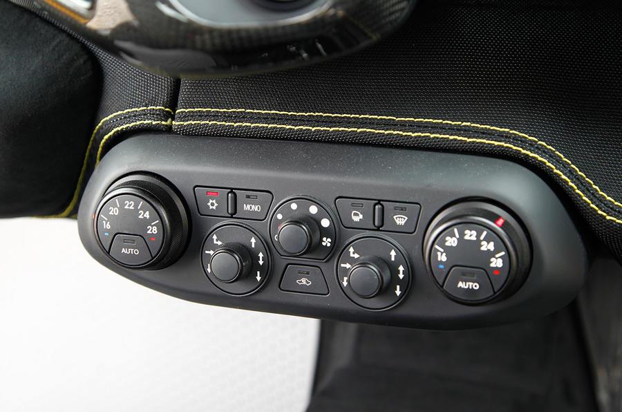 Ferrari 458 Speciale control switchgear