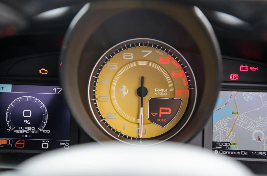 Ferrari 488 GTB rev counter