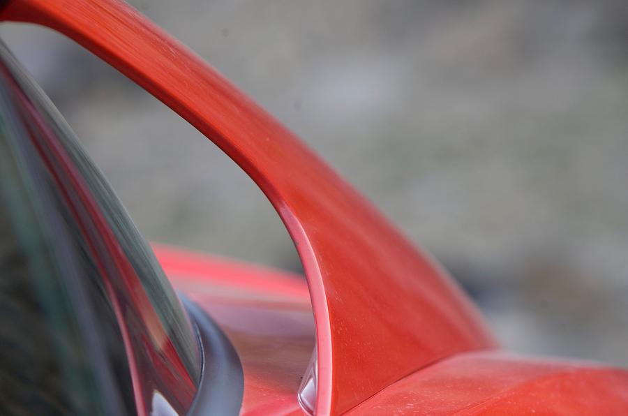Ferrari 599 rear buttresses