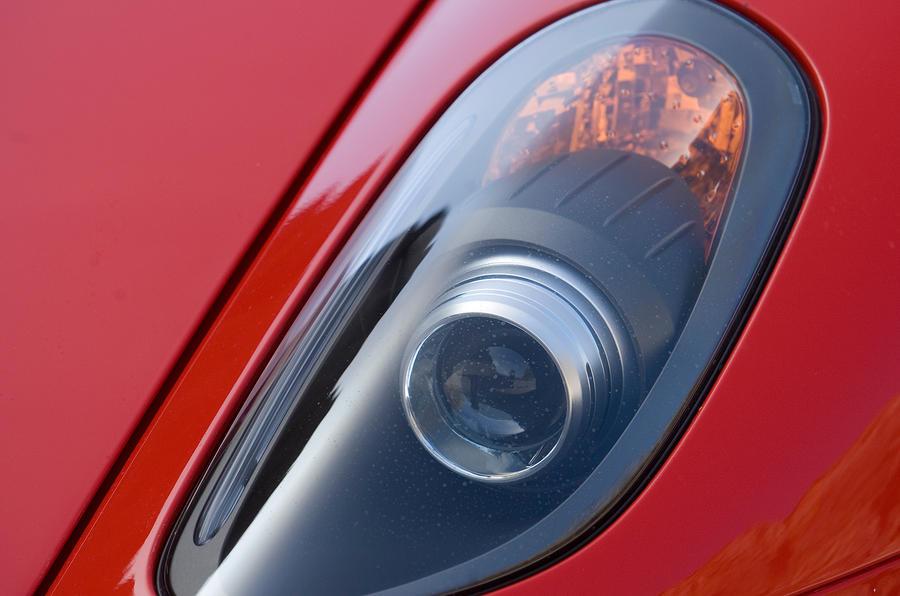 Ferrari 599 GTB xenon headlights