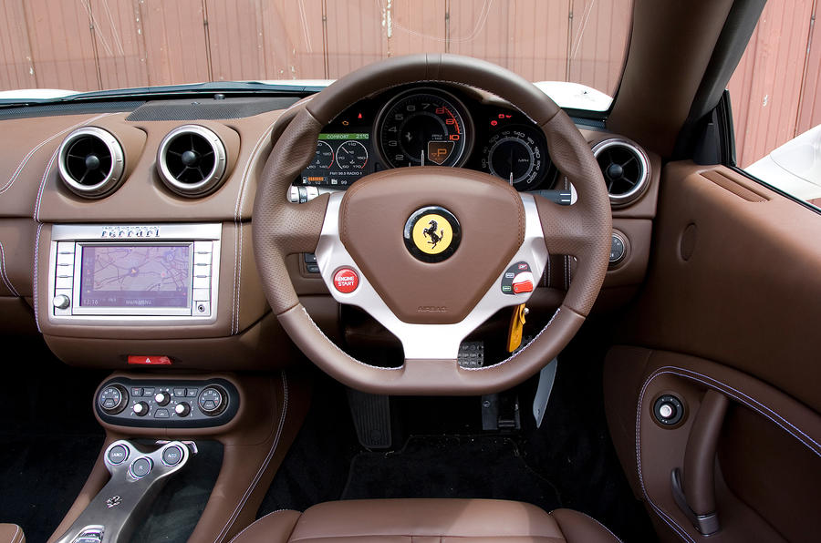Ferrari California 2008,2014 interior