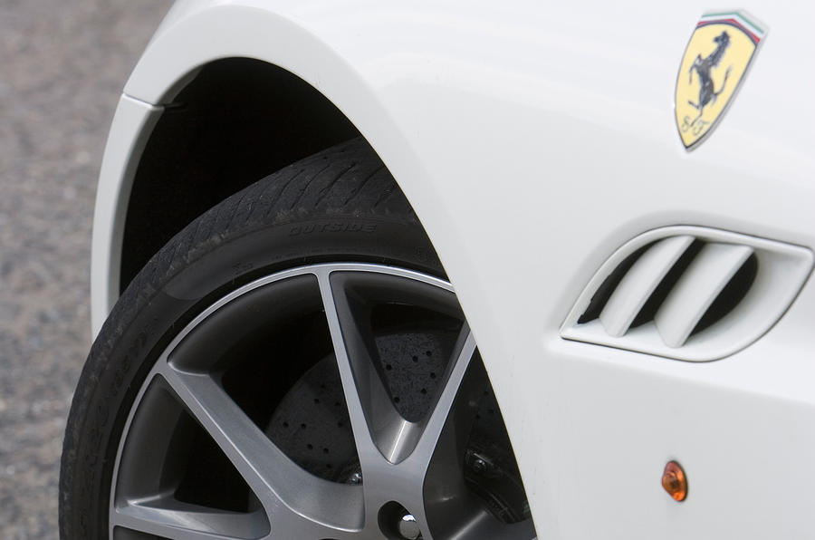 Ferrari California wing-mounted vents