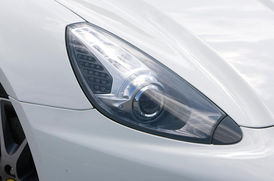 Ferrari California xenon headlights