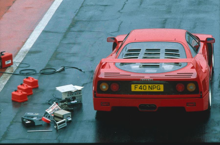 Prepping the Ferrari F40