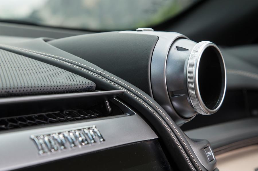 Ferrari GTC4 Lusso air vents