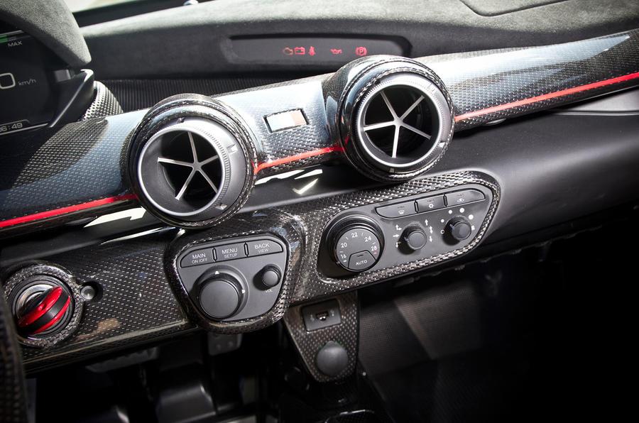 Ferrari LaFerrari centre console