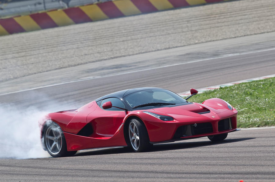 Ferrari LaFerrari oversteering