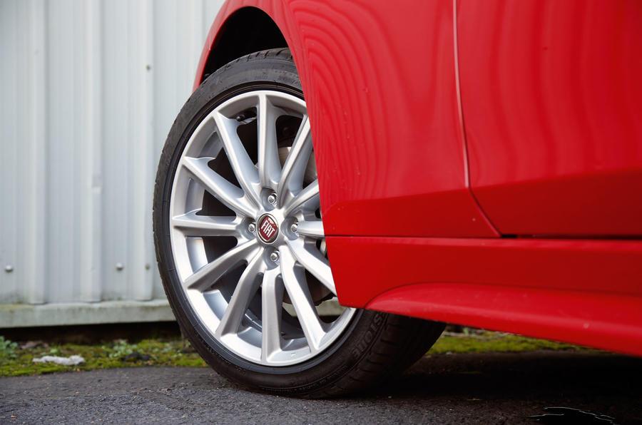 Fiat 124 Spider alloy wheels