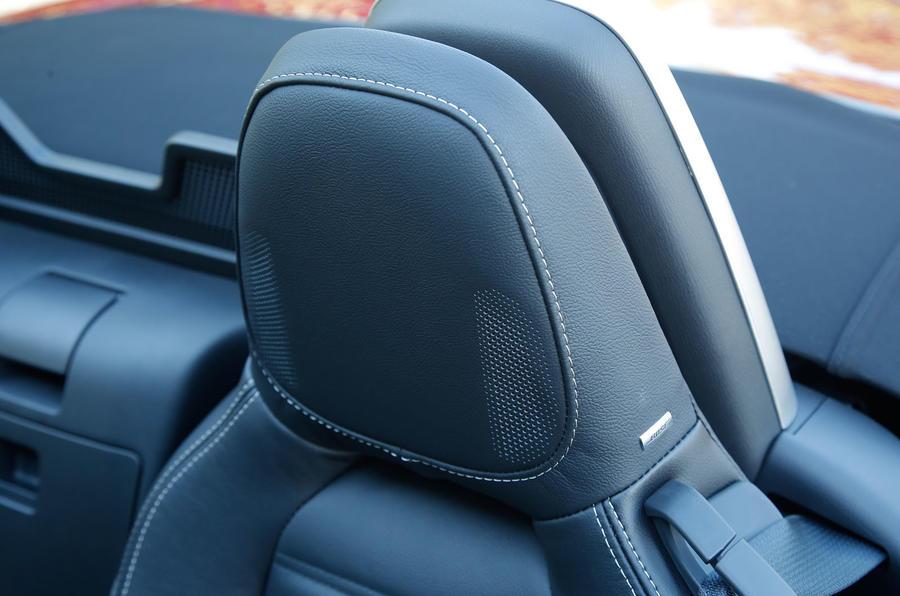 Fiat 124 Spider Bose sound system