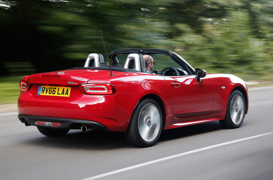 fiat 124 spider review 2017 autocar. Black Bedroom Furniture Sets. Home Design Ideas