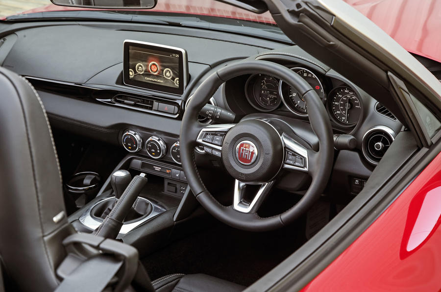 Fiat 124 Spider steering wheel