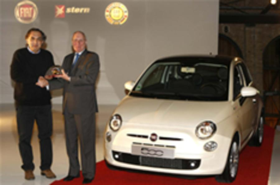 Marchionne accepts Car of the Year 2008