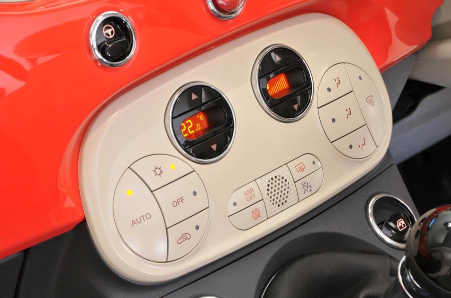 Fiat 500 climate controls