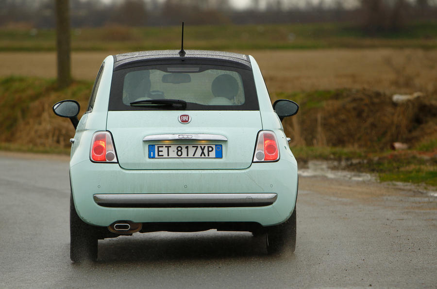 Fiat 500 Cult TwinAir 105 rear cornering