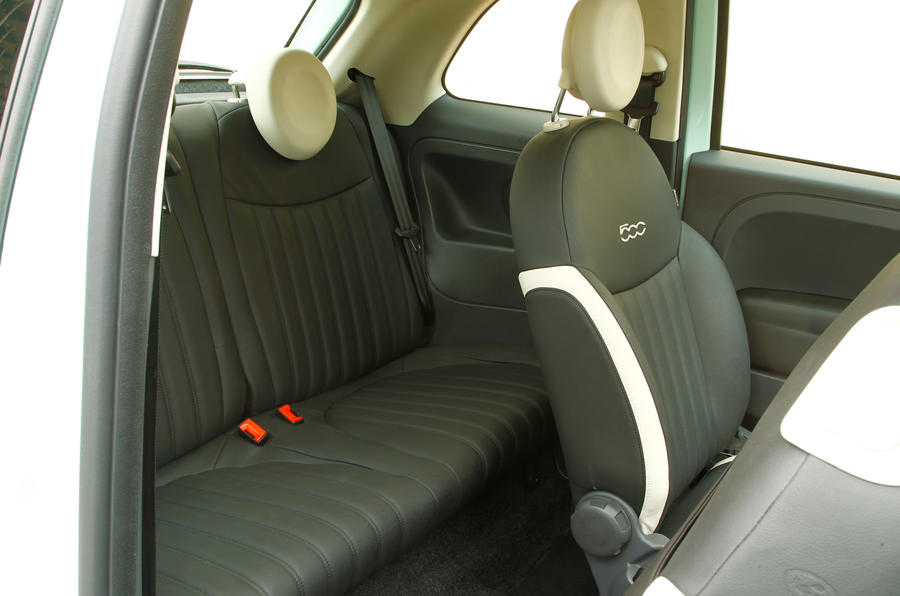 Fiat 500 Cult TwinAir 105 rear seats
