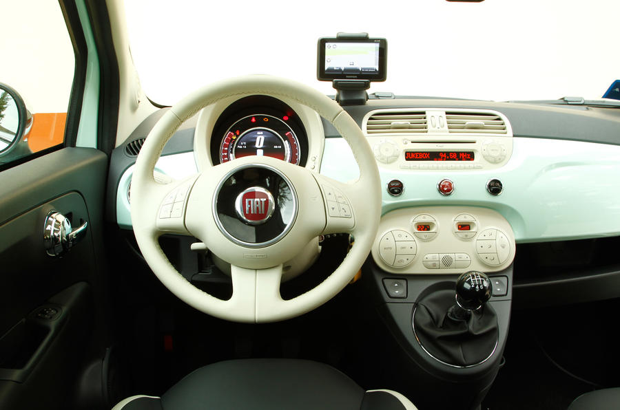 Fiat 500 Cult TwinAir 105 dashboard