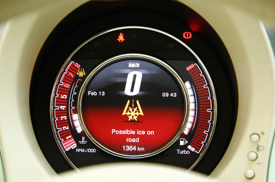 Fiat 500 Cult TwinAir 105 instrument cluster