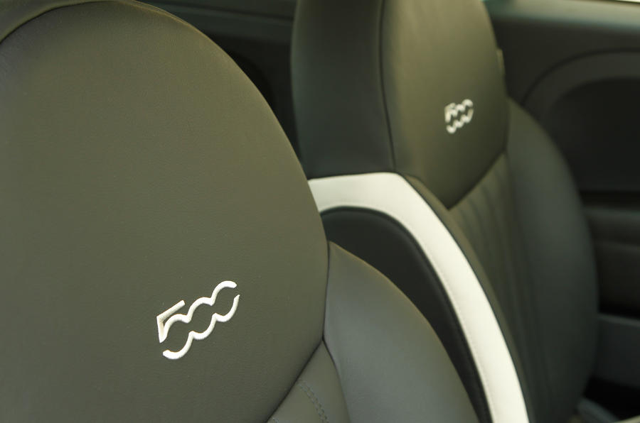 Fiat 500 stitching seats