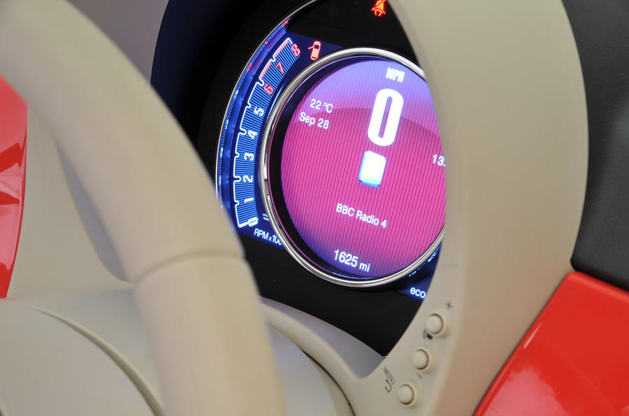 Fiat 500 digital speedo