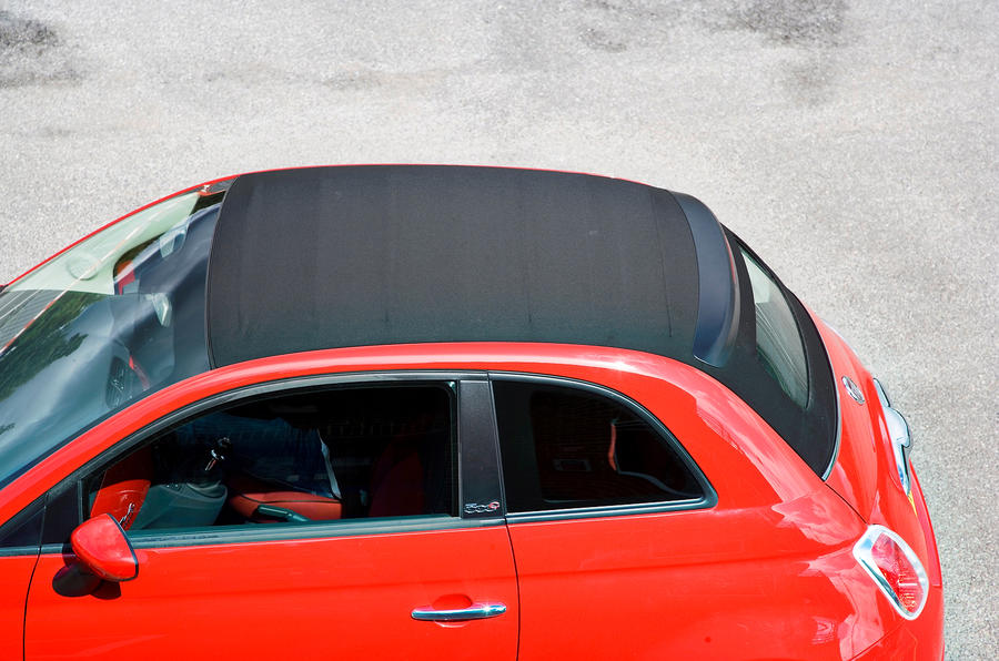 Fiat 500C fabric roof