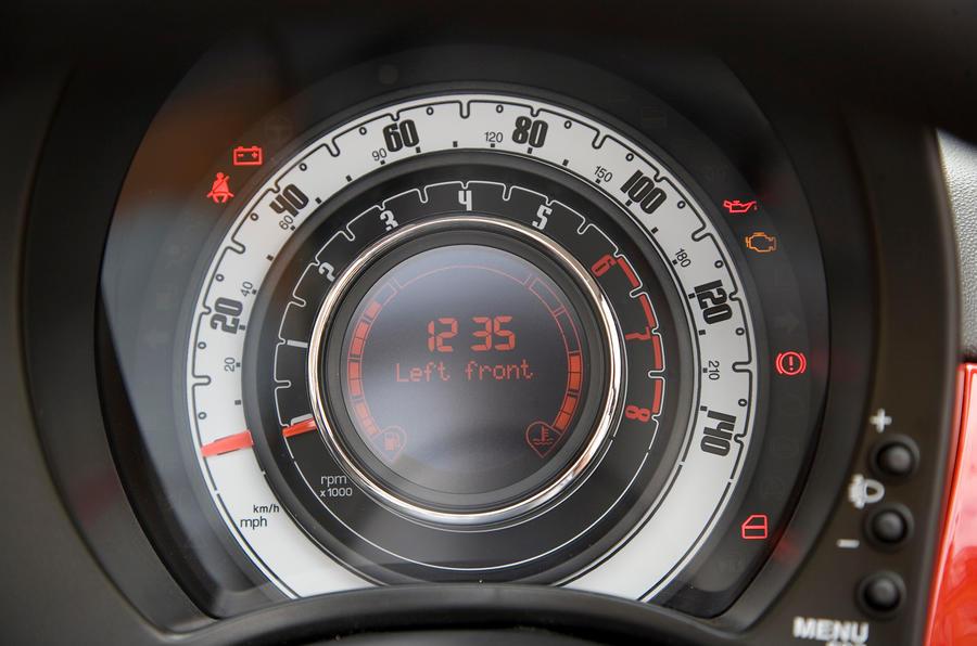 Fiat 500C instrument cluster