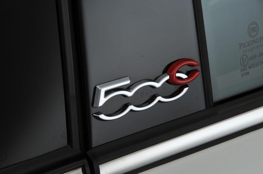 Fiat 500C badging