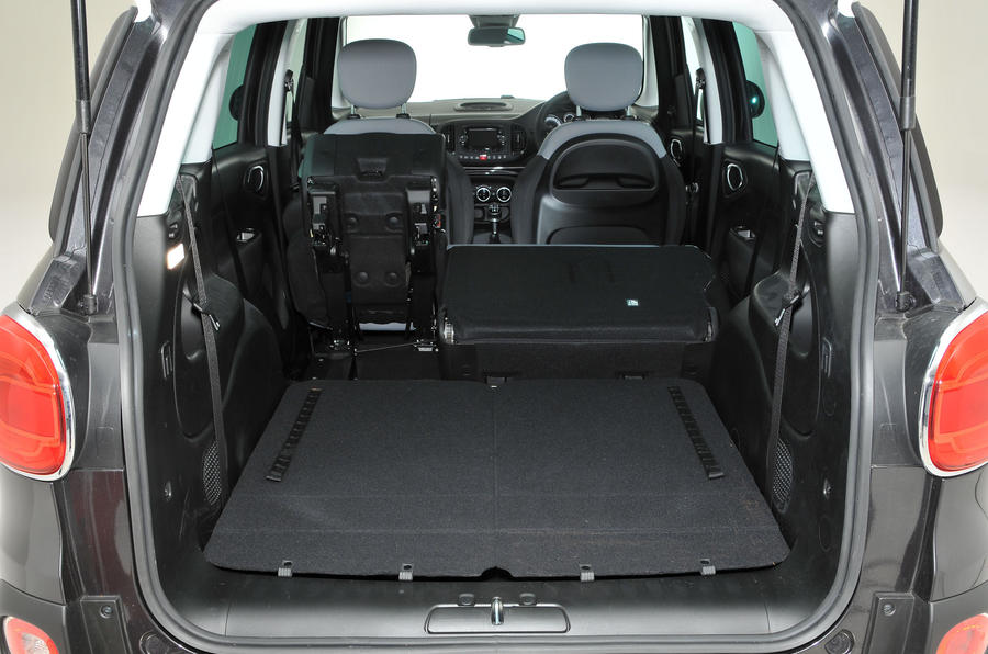 Fiat 500L extended boot space