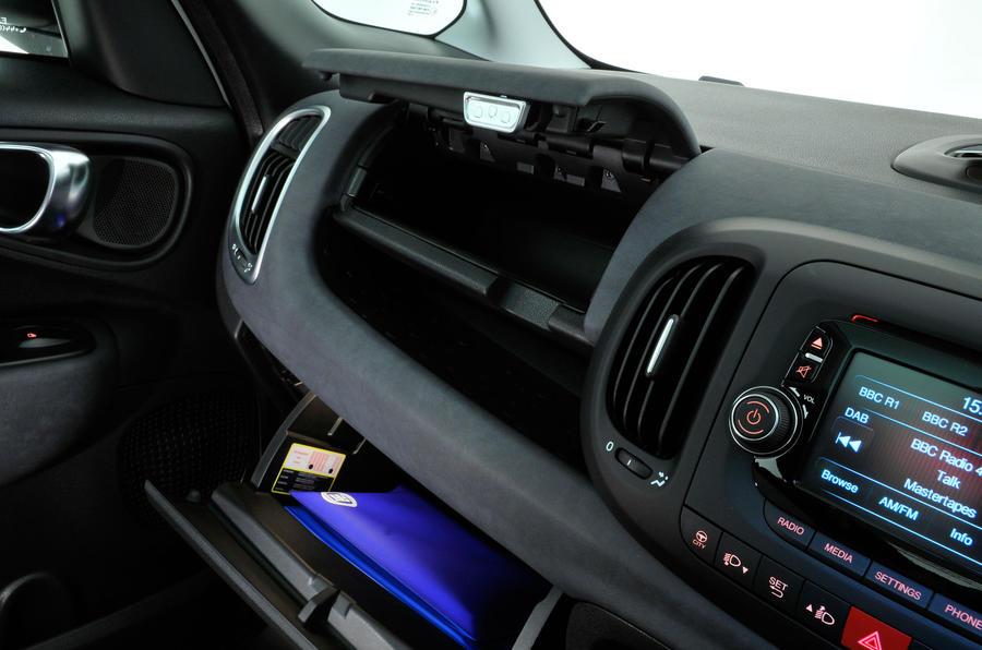 Fiat 500L glovebox
