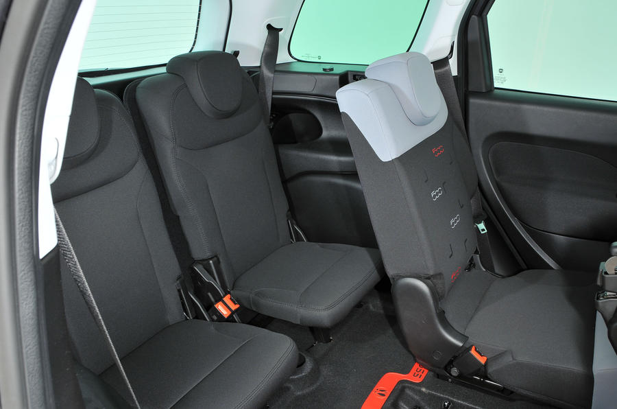Fiat 500L third row seats
