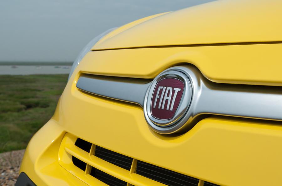Fiat 500L Trekking front grille