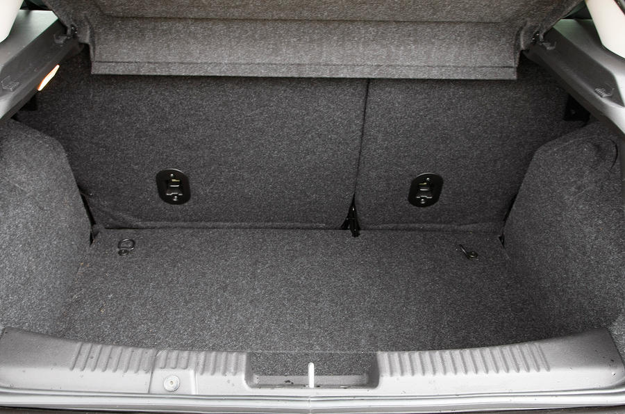 Fiat Bravo boot space