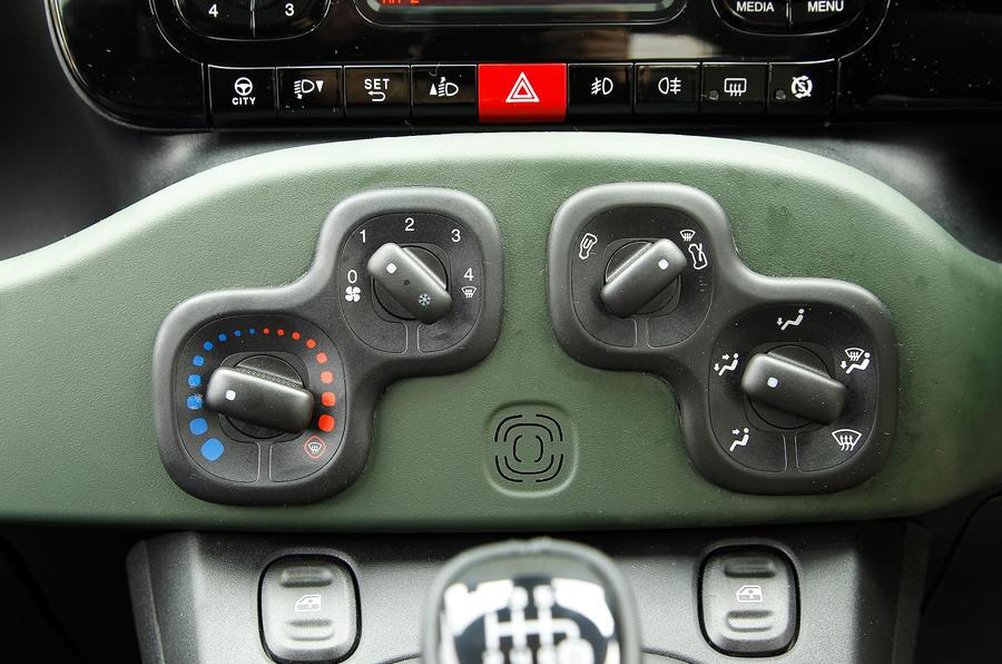 Fiat Panda 4x4 switchgear
