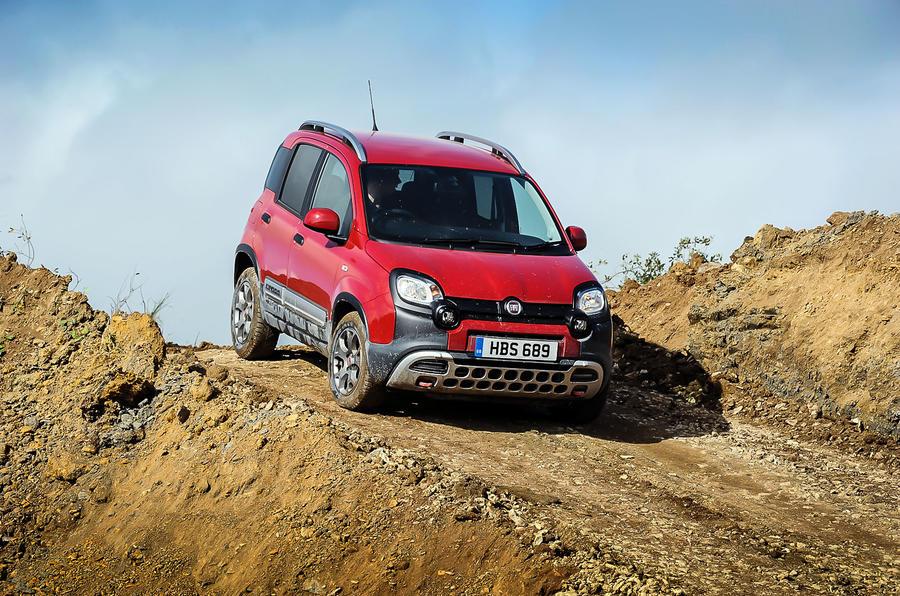 Fiat Panda Cross descending