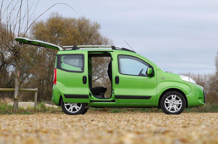 Fiat Qubo sliding doors