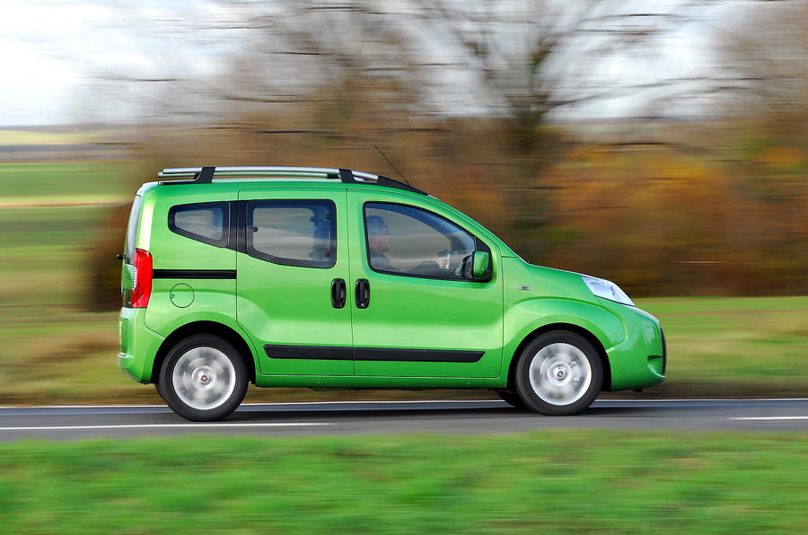 Fiat Qubo side profile