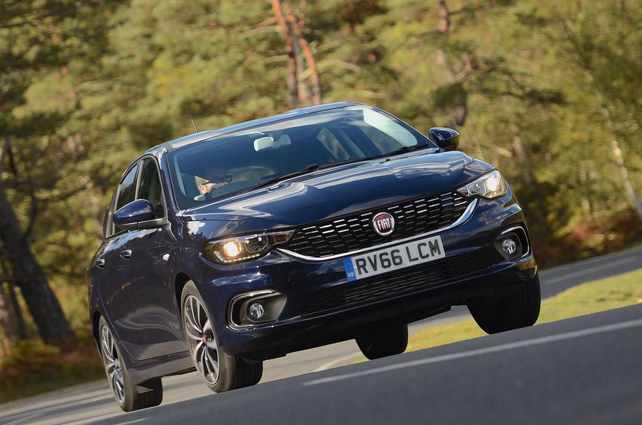 Fiat Tipo cornering