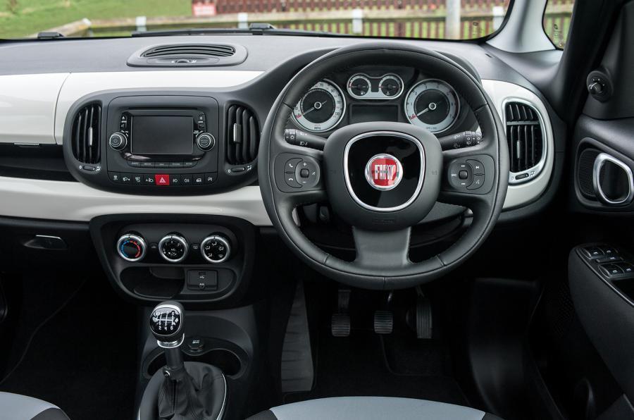 Fiat 500L MPW dashboard
