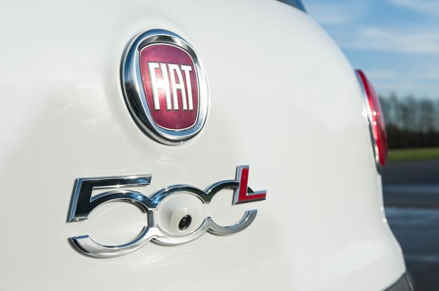 Fiat 500L badging